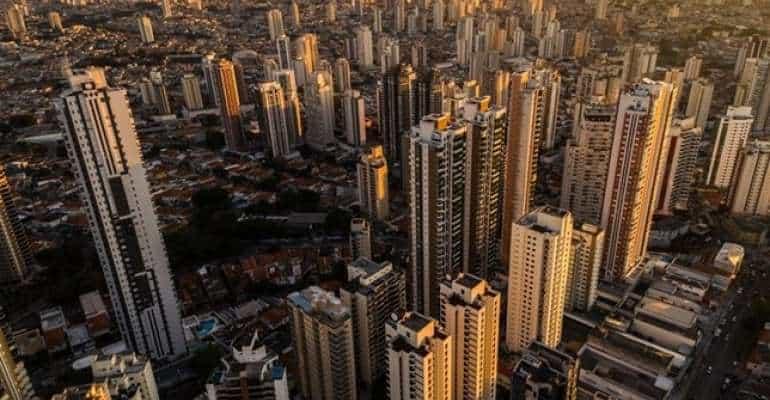 Bolsa de Valores do Brasil destaca blockchain em painel sobre finanças em São Paulo