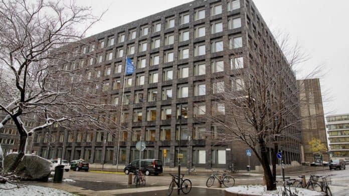 Banco Central da Suécia alerta investidores sobre fraudes envolvendo seu projeto de criptomoeda
