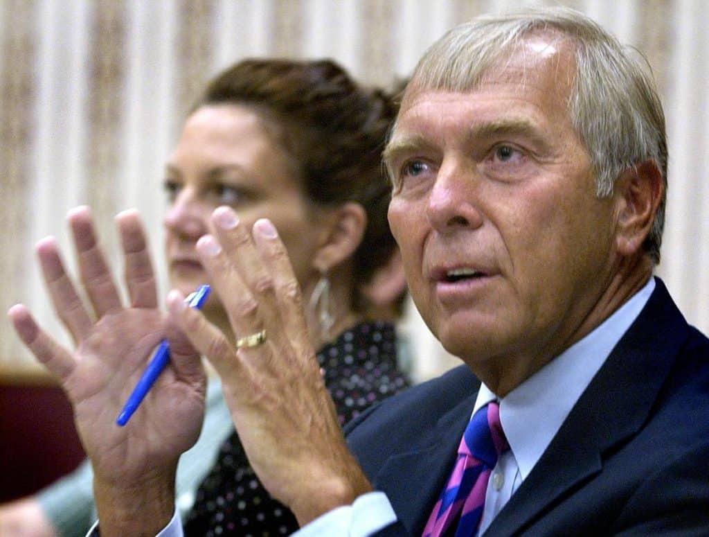 Ex-congressista dos EUA afirma que abordagem do país aos criptoativos impede a inovação