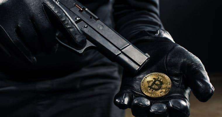 Homem é preso na Escócia depois de comprar uma arma com Bitcoin na deep web