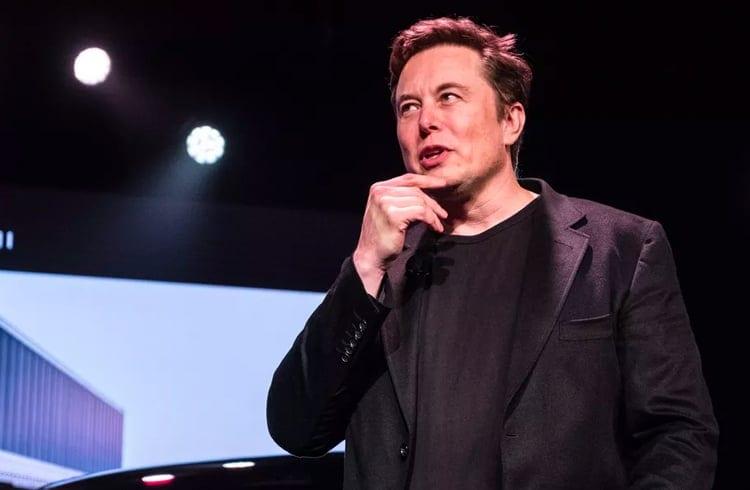 Elon Musk elogia estrutura do Bitcoin e afirma que papel moeda está com os dias contados