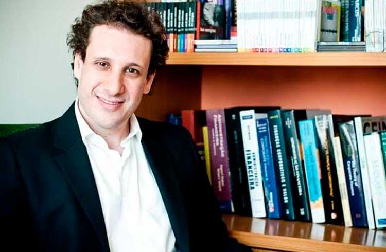 Economista Samy Dana aparece como orientador em dissertação sobre criptoativos da FGV