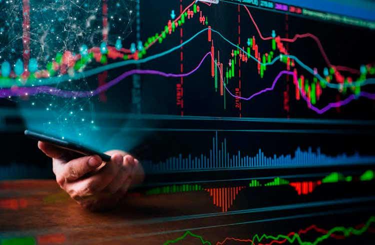 Mercado de criptomoedas valoriza lentamente; Stellar atinge seis semanas de alta