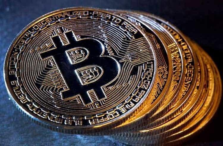 Pesquisador da Universidade de Berkeley diz que o Bitcoin é cocô bovino durante podcast