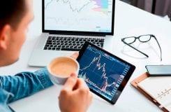 "Aplicativo ""Crypto of the Day"" para Android mede sentimento do investidor e tendências de mercado"