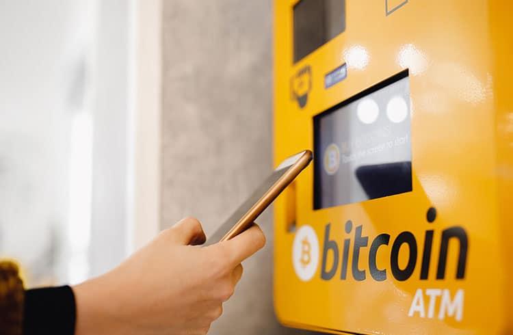 Quase 2 mil ATMs de Bitcoin foram instalados no mundo em um ano