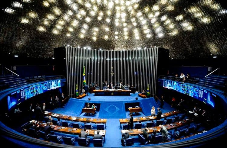 Senado brasileiro publica revista com artigo destacando a importância do Bitcoin