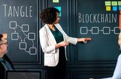 Qual a diferença entre Tangle e blockchain?