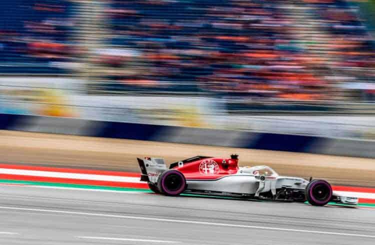 Carro de Fórmula 1 criado em blockchain é vendido por mais de US$100 mil