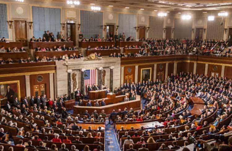 Congressistas dos EUA pedem apoio a assessor econômico de Donald Trump para fórum sobre blockchain