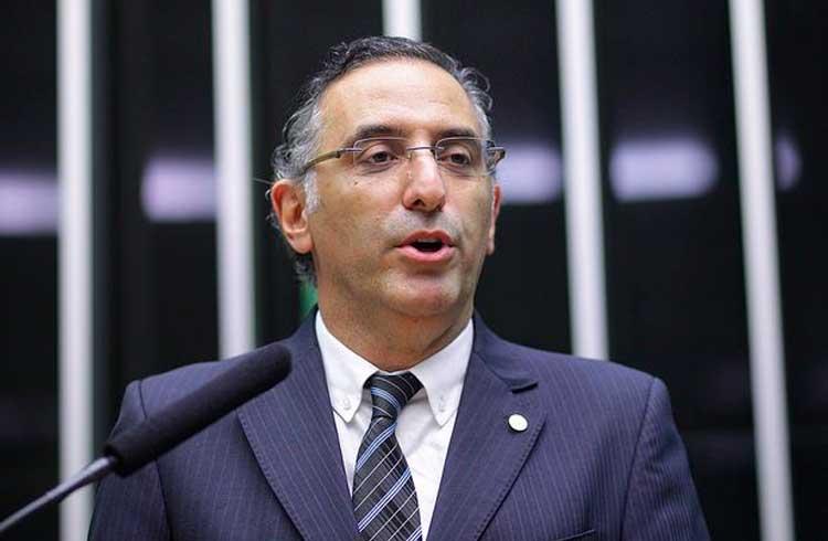 Deputado Federal Eduardo Cury propõe discussão conjunta de projetos para regular o Bitcoin no Brasil