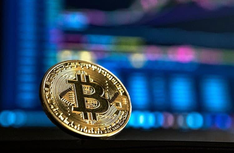 Bitcoin avança quase 7% e está próximo dos US$10.000
