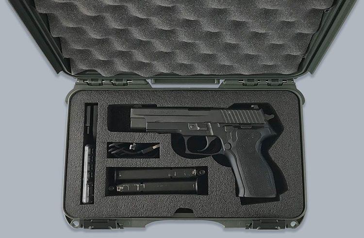 Empresa lança maleta para armazenar carteiras físicas de Bitcoin e armas