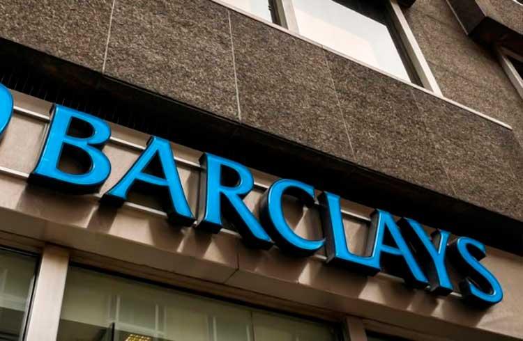 Banco do Reino Unido fecha conta-corrente da exchange norte-americana Coinbase