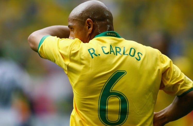 Ex-jogador de futebol Roberto Carlos mostra intenções de investir em criptomoedas
