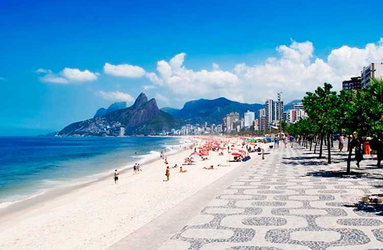 Sol, praia, mar e Bitcoin; Barraca no Rio de Janeiro aceita BTC como pagamento
