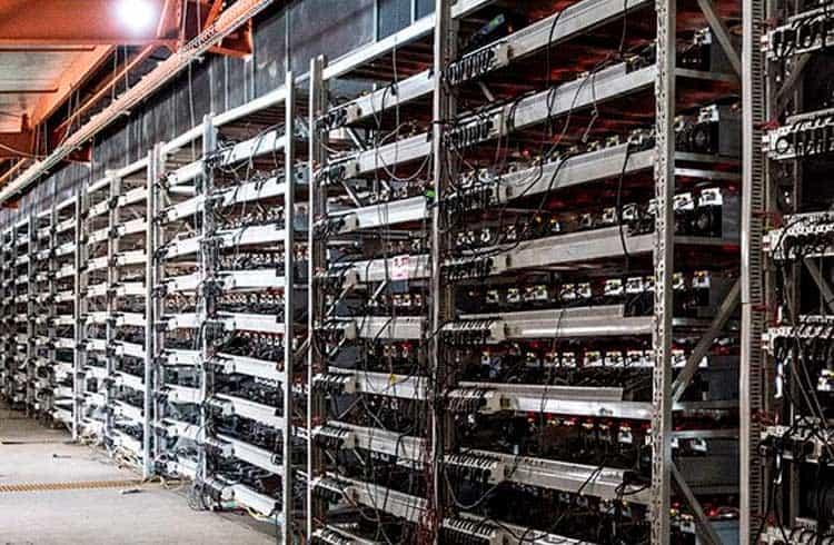 Suposto ambientalista diz que uma transação de Bitcoin emite 300 kg de CO₂ em província chinesa