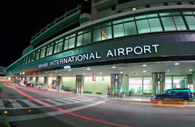 Aeroporto Internacional de Miami recebe seu primeiro caixa eletrônico de Bitcoin