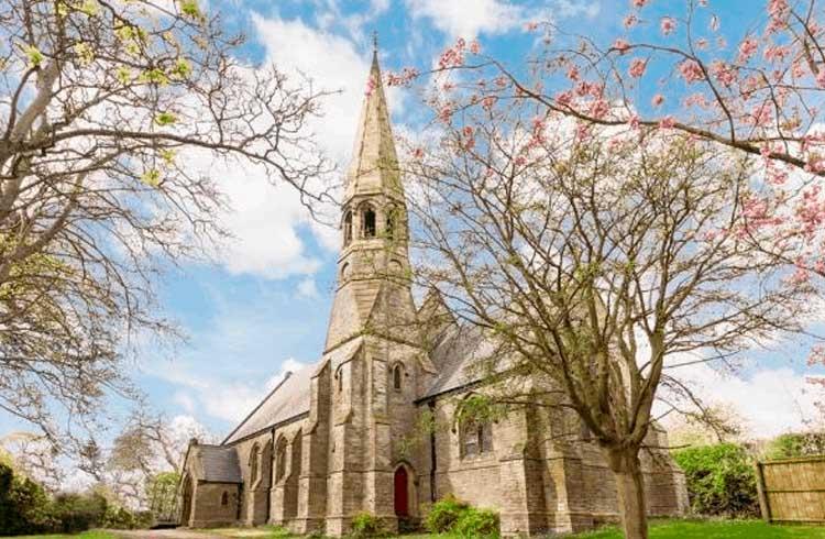Antiga igreja britânica está à venda e pode ser paga em Bitcoin