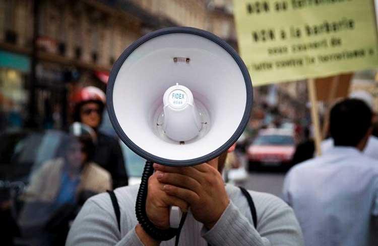 Clientes insatisfeitos marcam manifestação na sede da Atlas Quantum em São Paulo