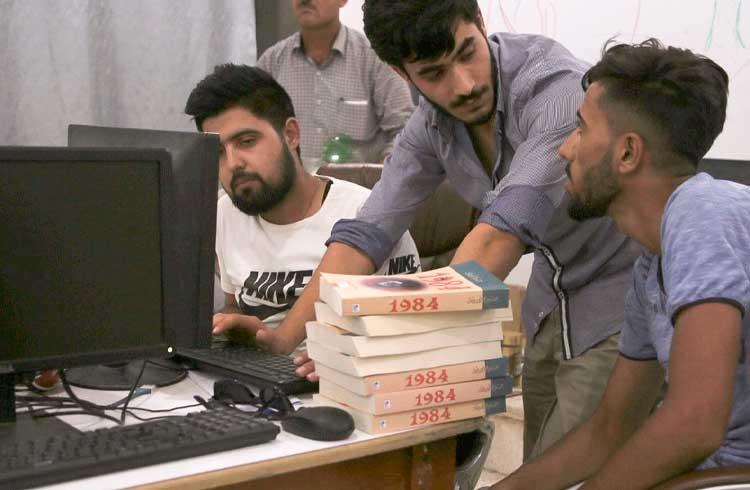 Em meio à guerra, escola ensina alunos sobre tecnologia blockchain na Síria