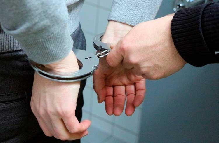 Líder de empresa relacionada à Bitfinex é preso na Polônia por ligação com cartéis de drogas