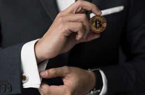 Pesquisa da Reuters aponta criptomoedas entre os principais investimentos da próxima década