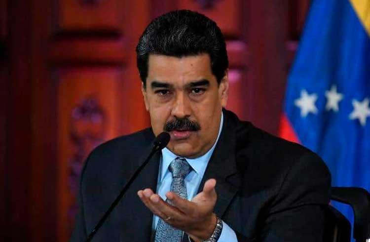 Venezuela venderá petróleo e ouro por Petro