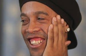 Ronaldinho Gaúcho é processado por envolvimento com a 18kRonaldinho