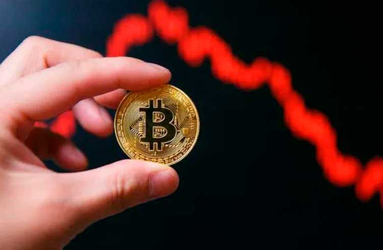 Analista afirma que Bitcoin pode cair para US$8.200 nos próximos dias