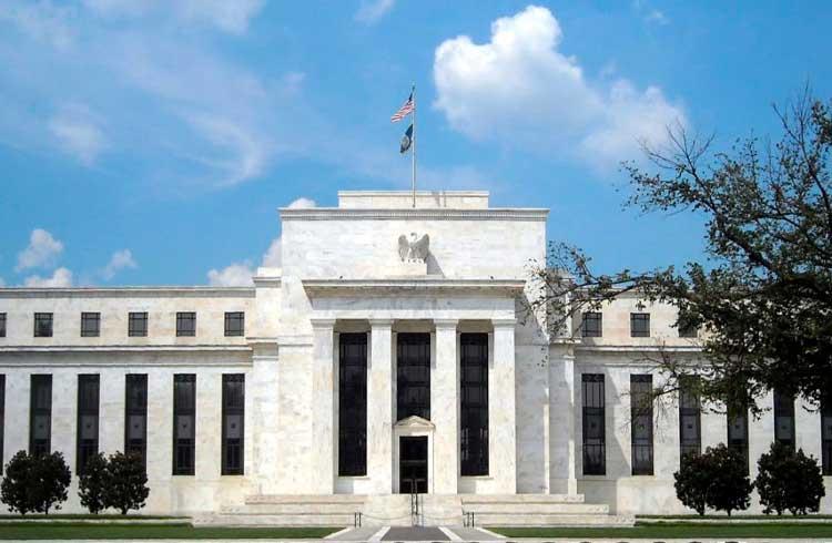 Banco Central dos EUA derruba juros para estimular economia em crise