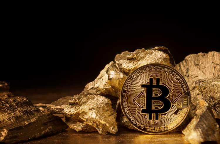 Bitcoin supera ouro e S&P 500 em performance nos últimos 12 meses