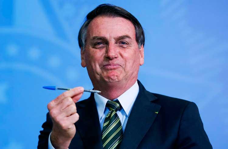 Jair Bolsonaro assina decreto para criação de uma rede blockchain do Governo Federal