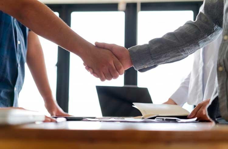 Tezos fecha parceria com importante órgão para usar blockchain no setor de contabilidade