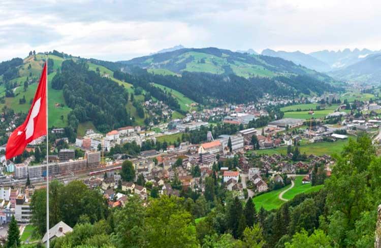 Governo da Suíça rejeita pacote de ajuda ao Crypto Valley e especialista comenta o caso