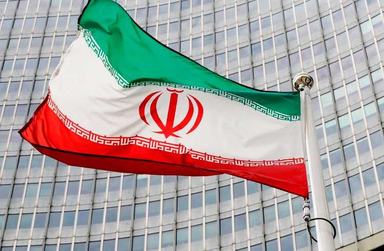 Irã introduz nova moeda para combater hiperinflação e preço do Bitcoin dispara para R$190 mil no país