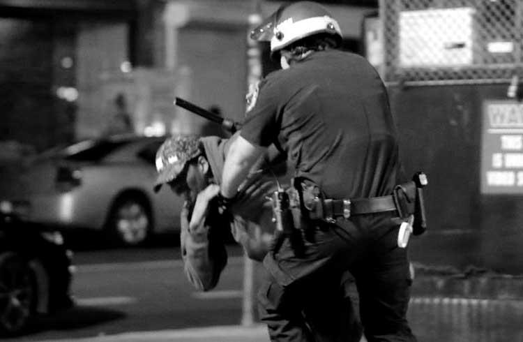 Empresa aplica blockchain na luta contra a violência policial