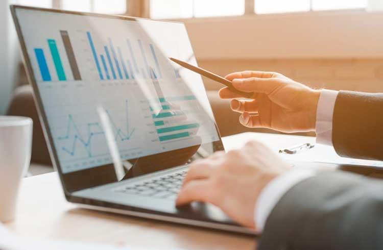 Pesquisa da Fidelity mostra que 36% de grandes investidores possuem criptoativos