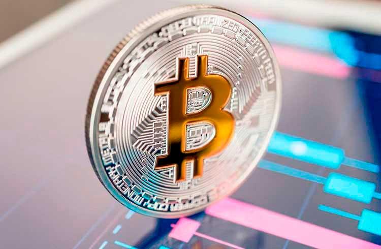 Bitcoin valoriza e se aproxima dos R$ 50.000; Cardano salta 7%