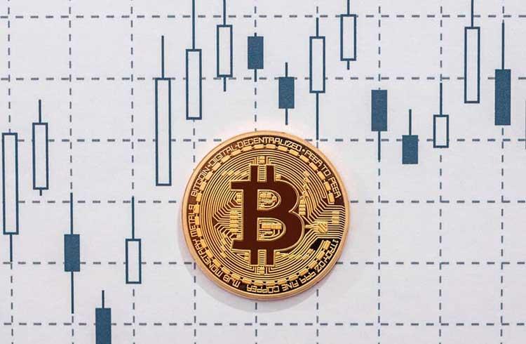 Bitcoin volta aos R$ 48.800 e muitas altcoins declinam