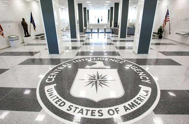 Falta de sucesso do Bitcoin Cash é culpa da CIA, afirma Roger Ver