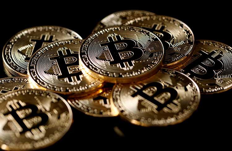 Bitcoin volta aos R$ 62.000 com queda do dólar; Ethereum valoriza 5%