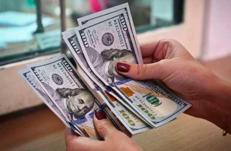 Economistas fazem previsão: dólar mais caro e melhora no PIB em 2020