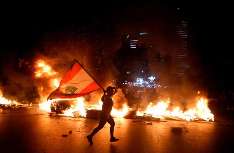 Líbano reacende discussão: o Bitcoin é capaz de salvar economias em crise?