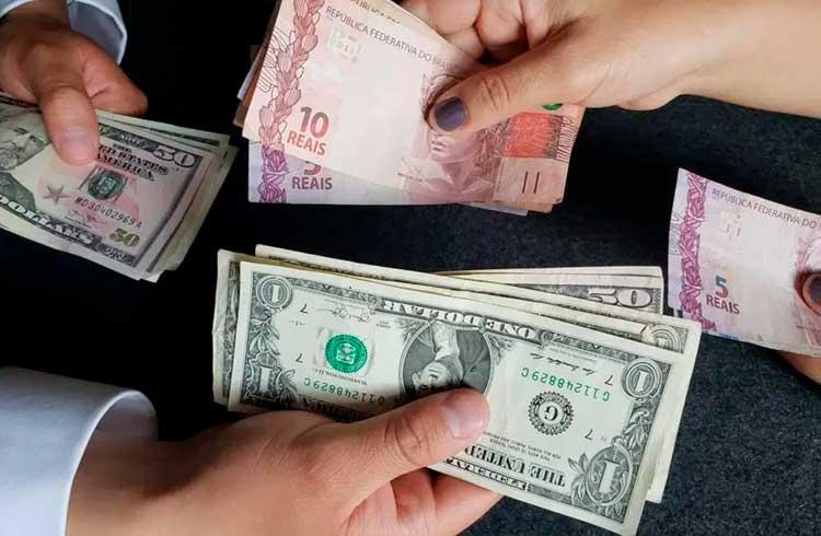 Rússia incentiva Brasil a abandonar uso do dólar
