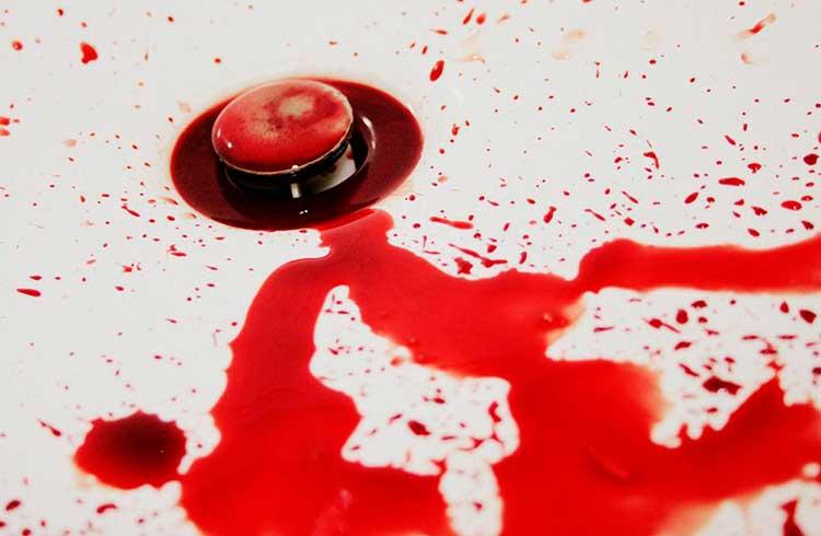Banho de sangue: criptomoedas afundam nesta segunda-feira
