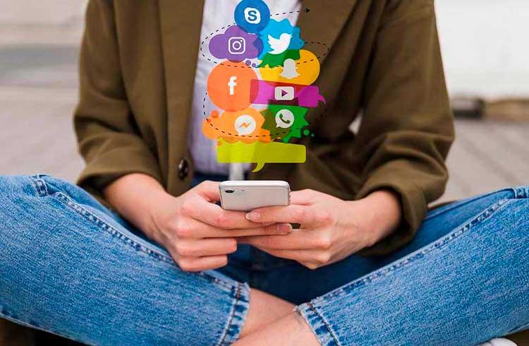 Conteúdo financeiro em redes sociais é algo positivo, afirma CVM
