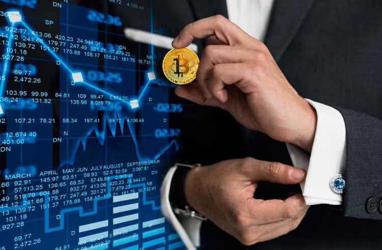 Especialista dá 4 dicas para investir em criptomoedas