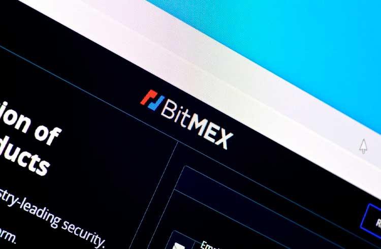 Arthur Hayes deixa BitMEX em dia de mudanças na exchange