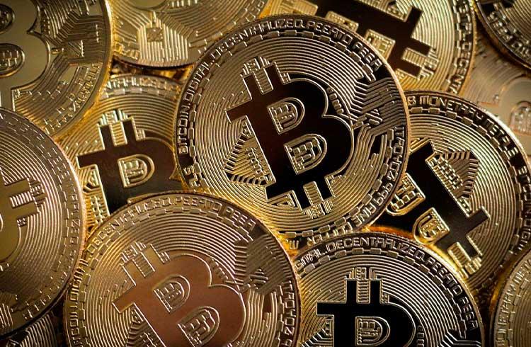 Bitcoin atinge os R$ 72.600 e segue subindo; Ethereum dispara 8%